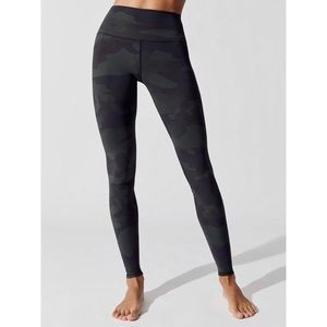 SOLD! —ALO YOGA CAMO LEGGING